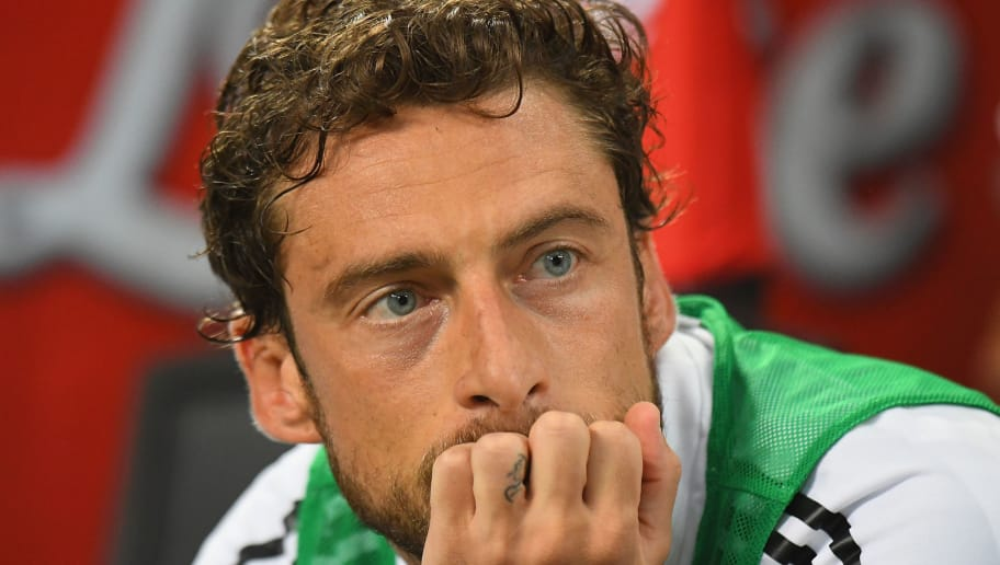 MILAN, ITALY - APRIL 28:  Claudio Marchisio of Juventus looks on before the serie A match between FC Internazionale and Juventus at Stadio Giuseppe Meazza on April 28, 2018 in Milan, Italy.  (Photo by Alessandro Sabattini/Getty Images)
