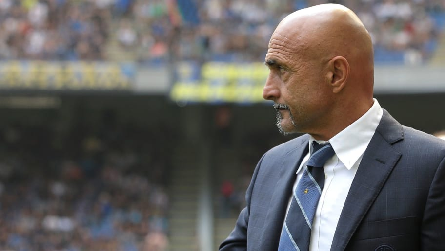 MILAN, ITALY - SEPTEMBER 15:  FC Internazionale coach Luciano Spalletti gestures during the serie A match between FC Internazionale and Parma Calcio at Stadio Giuseppe Meazza on September 15, 2018 in Milan, Italy.  (Photo by Emilio Andreoli/Getty Images)