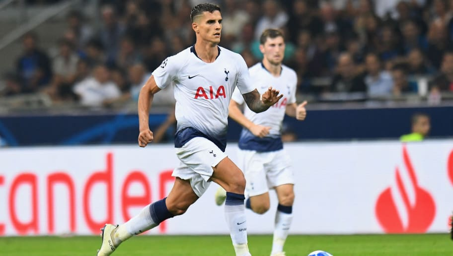 MILAN, ITALY - SEPTEMBER 18: Erik Lamela of Tottenham Hotspur controls the ball during the Group B match of the UEFA Champions League between FC Internazionale and Tottenham Hotspur at San Siro Stadium on September 18, 2018 in Milan, Italy.  (Photo by Alessandro Sabattini/Getty Images)