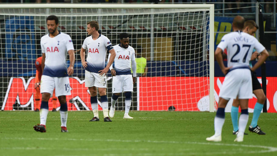 MILAN, ITALY - SEPTEMBER 18:  Players of Tottenham Hotspur disappointed after the second  goal of the FC Internazionale during the Group B match of the UEFA Champions League between FC Internazionale and Tottenham Hotspur at San Siro Stadium on September 18, 2018 in Milan, Italy.  (Photo by Pier Marco Tacca/Getty Images)