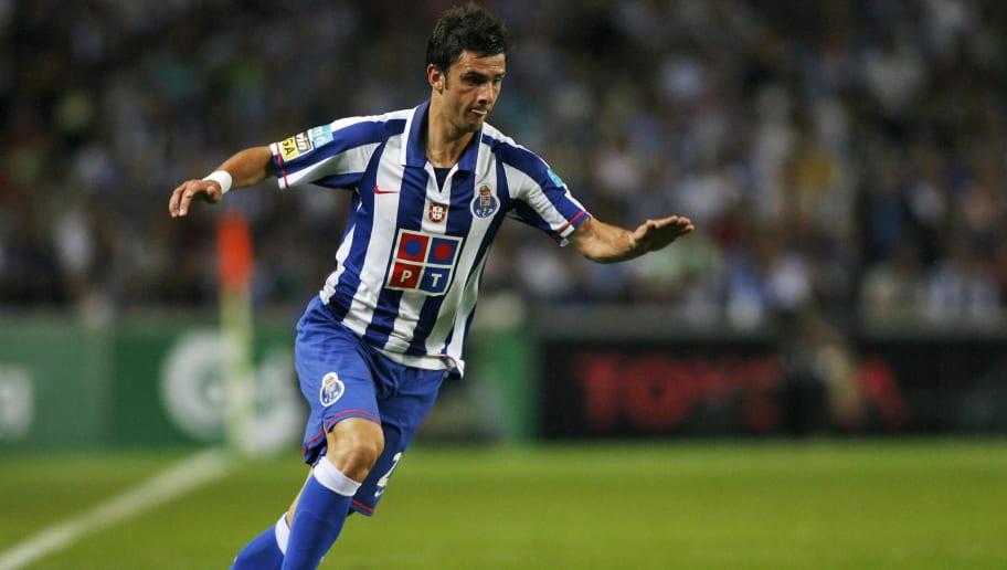 FC Porto's player Helder Postiga control