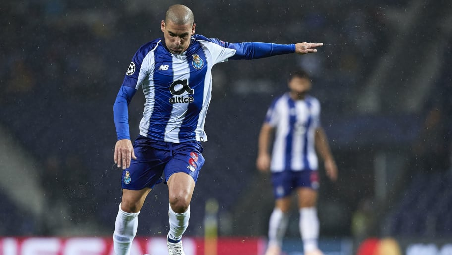 PORTO, PORTUGAL - NOVEMBER 06:  Maxi Pereira of FC Porto kicks the ball during the Group D match of the UEFA Champions League between FC Porto and FC Lokomotiv Moscow at Estadio do Dragao on November 6, 2018 in Porto, Portugal.  (Photo by Quality Sport Images/Getty Images)