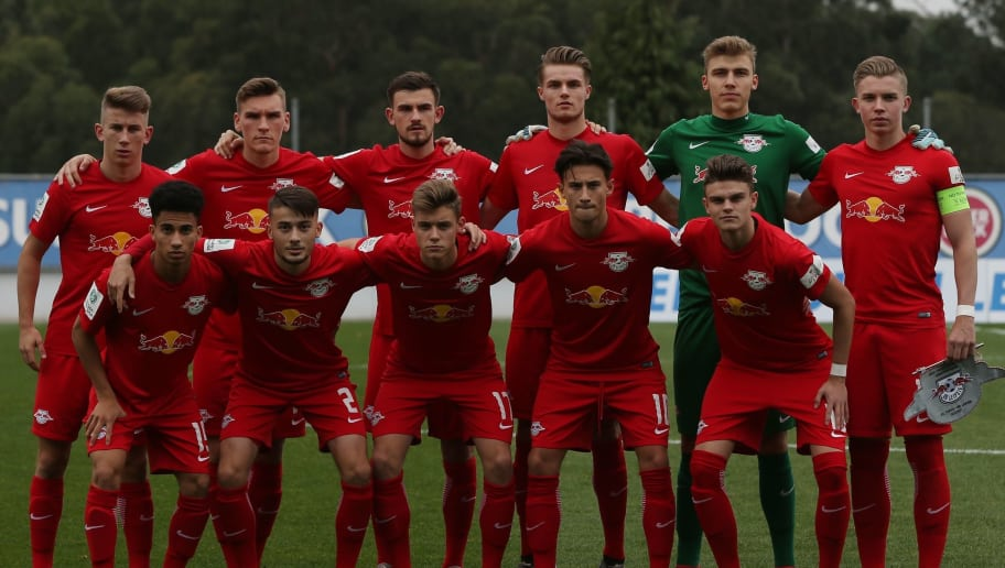 OLIVAL, PORTUGAL - NOVEMBER 1: RB Leipzig players pose for a team photo before the start of the UEFA Youth League match between FC Porto and RB Leipzig at Centro de Estagios do Olival on November 1, 2017 in Olival, Portugal.  (Photo by Gualter Fatia/Getty Images)