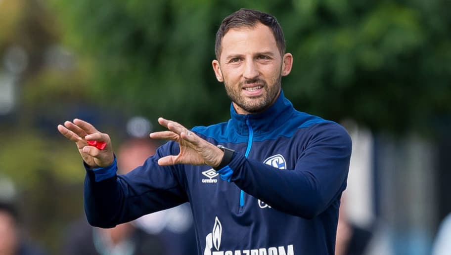 GELSENKIRCHEN, GERMANY - AUGUST 28: Head coach Domenico Tedesco of Schalke gestures during the FC Schalke 04 training session on August 28, 2018 in Gelsenkirchen, Germany. (Photo by TF-Images/Getty Images)