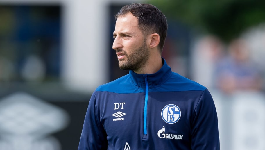GELSENKIRCHEN, GERMANY - AUGUST 28: Head coach Domenico Tedesco of Schalke looks on during the FC Schalke 04 training session on August 28, 2018 in Gelsenkirchen, Germany. (Photo by TF-Images/Getty Images)
