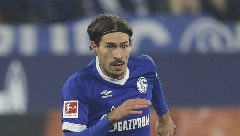 GELSENKIRCHEN, GERMANY - NOVEMBER 24: Benjamin Stambouli #17 of FC Schalke 04 controls the ball during the Bundesliga match between FC Schalke 04 and 1. FC Nuernberg at Veltins-Arena on November 24, 2018 in Gelsenkirchen, Germany. (Photo by Maja Hitij/Bongarts/Getty Images)