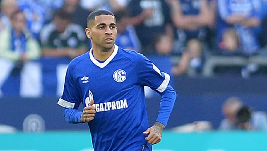 GELSENKIRCHEN, GERMANY - SEPTEMBER 29: Omar Mascarell of Schalke looks on during the Bundesliga match between FC Schalke 04 and 1. FSV Mainz 05 at Veltins-Arena on September 29, 2018 in Gelsenkirchen, Germany. (Photo by TF-Images/Getty Images)