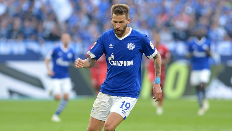 GELSENKIRCHEN, GERMANY - SEPTEMBER 29: Guido Burgstaller of Schalke controls the ball during the Bundesliga match between FC Schalke 04 and 1. FSV Mainz 05 at Veltins-Arena on September 29, 2018 in Gelsenkirchen, Germany. (Photo by TF-Images/Getty Images)