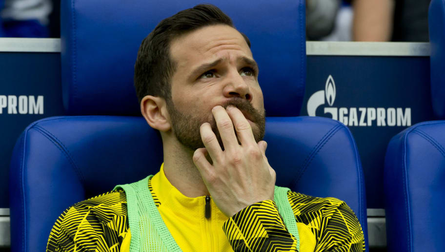 GELSENKIRCHEN, GERMANY - APRIL 15: Gonzalo Castro of Dortmund looks on prior to the Bundesliga match between FC Schalke 04 and Borussia Dortmund at Veltins-Arena on April 15, 2018 in Gelsenkirchen, Germany. (Photo by TF-Images/Getty Images)