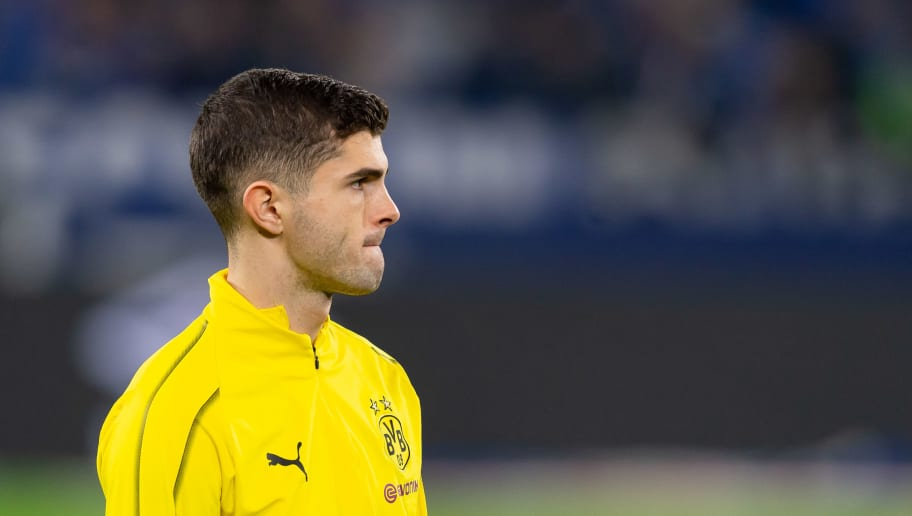 GELSENKIRCHEN, GERMANY - DECEMBER 08: Christian Pulisic of Dortmund looks on during the Bundesliga match between FC Schalke 04 and Borussia Dortmund at the Veltins Arena on December 08, 2018 in Dortmund, Germany. (Photo by TF-Images/TF-Images via Getty Images)