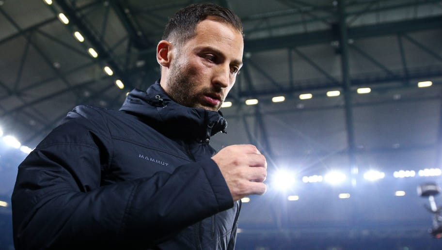 GELSENKIRCHEN, GERMANY - SEPTEMBER 22: Domenico Tedesco, Head Coach of FC Schalke 04 looks on prior the Bundesliga match between FC Schalke 04 and FC Bayern Muenchen at Veltins-Arena on September 22, 2018 in Gelsenkirchen, Germany. (Photo by Maja Hitij/Bongarts/Getty Images)