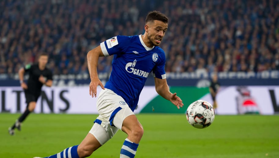 GELSENKIRCHEN, GERMANY - SEPTEMBER 22: Franco Di Santo of FC Schalke controls the ball during the Bundesliga match between FC Schalke 04 and FC Bayern Muenchen at Veltins-Arena on September 22, 2018 in Gelsenkirchen, Germany. (Photo by TF-Images/Getty Images)