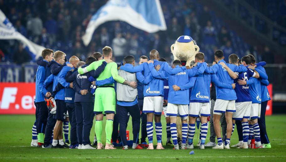 GELSENKIRCHEN, GERMANY - SEPTEMBER 22: Team of Schalke huddle after the Bundesliga match between FC Schalke 04 and FC Bayern Muenchen at Veltins-Arena on September 22, 2018 in Gelsenkirchen, Germany. (Photo by Maja Hitij/Bongarts/Getty Images)