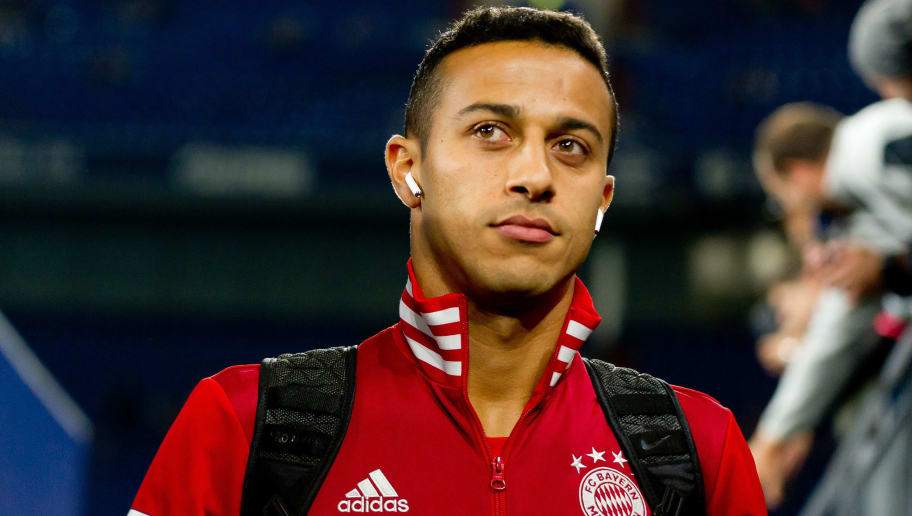 GELSENKIRCHEN, GERMANY - SEPTEMBER 22: Thiago of Bayern Muenchen looks on prior the Bundesliga match between FC Schalke 04 and FC Bayern Muenchen at Veltins-Arena on September 22, 2018 in Gelsenkirchen, Germany. (Photo by TF-Images/Getty Images)