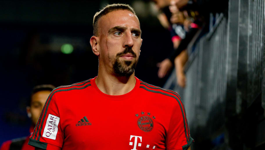 GELSENKIRCHEN, GERMANY - SEPTEMBER 22: Franck Ribery of Bayern Muenchen looks on prior the Bundesliga match between FC Schalke 04 and FC Bayern Muenchen at Veltins-Arena on September 22, 2018 in Gelsenkirchen, Germany. (Photo by TF-Images/Getty Images)