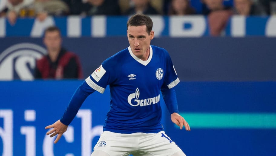 GELSENKIRCHEN, GERMANY - SEPTEMBER 22: Sebastian Rudy of FC Schalke controls the ball during the Bundesliga match between FC Schalke 04 and FC Bayern Muenchen at Veltins-Arena on September 22, 2018 in Gelsenkirchen, Germany. (Photo by TF-Images/Getty Images)