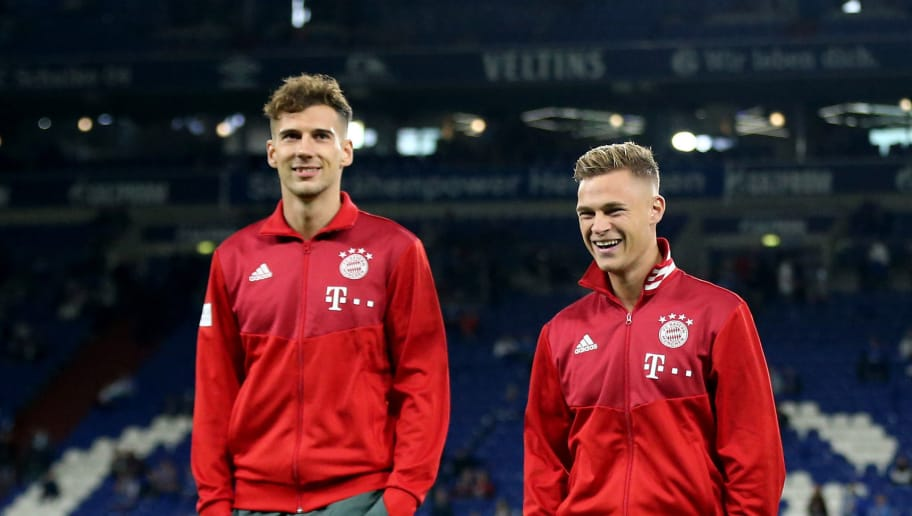 GELSENKIRCHEN, GERMANY - SEPTEMBER 22: (L-R) Leon Goretzka, Joshua Kimmich and Sven Ulreich of Bayern are seen prior to the Bundesliga match between FC Schalke 04 and FC Bayern Muenchen at Veltins-Arena on September 22, 2018 in Gelsenkirchen, Germany. (Photo by Christof Koepsel/Bongarts/Getty Images)
