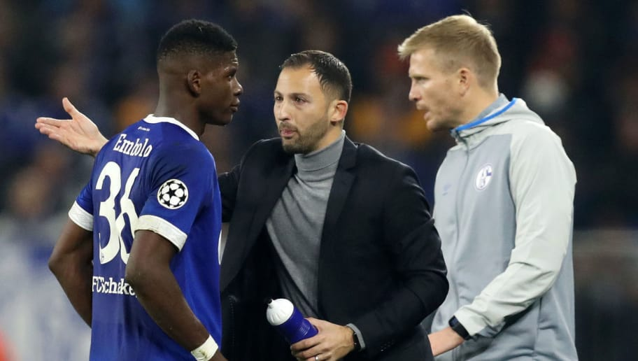 GELSENKIRCHEN, GERMANY - NOVEMBER 06:  Domenico Tedesco, Manager of FC Schalke 04 speaks to Breel Embolo of FC Schalke 04 during the Group D match of the UEFA Champions League between FC Schalke 04 and Galatasaray at Veltins-Arena on November 6, 2018 in Gelsenkirchen, Germany.  (Photo by Maja Hitij/Bongarts/Getty Images)