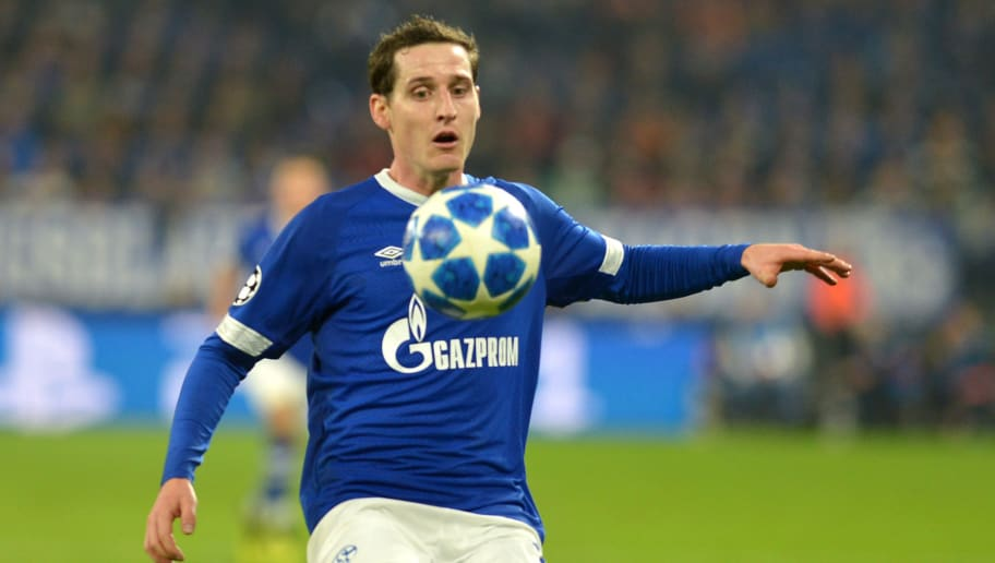 GELSENKIRCHEN, GERMANY - NOVEMBER 06: Sebastian Rudy of Schalke controls the ball during the Group D match of the UEFA Champions League between FC Schalke 04 and Galatasaray at Veltins-Arena on November 6, 2018 in Gelsenkirchen, Germany. (Photo by TF-Images/Getty Images)