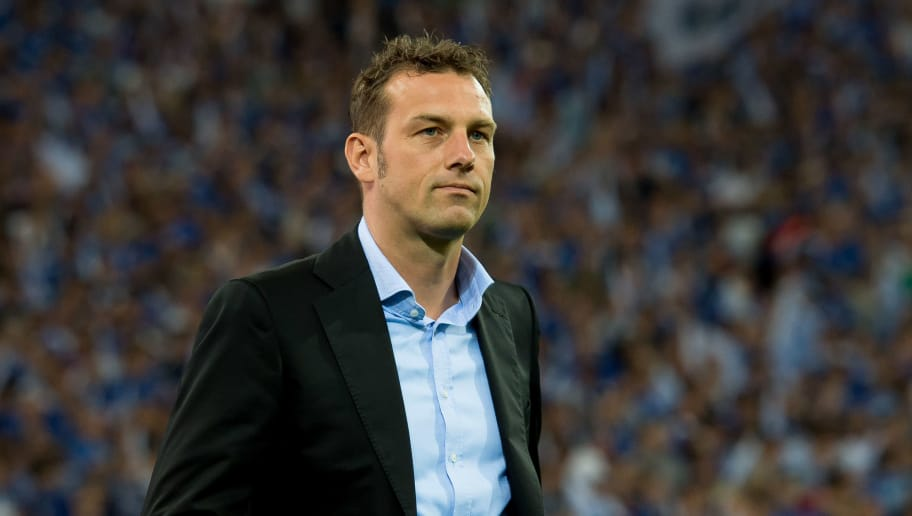 GELSENKIRCHEN, GERMANY - MAY 13: Head coach Markus Weinzierl of Schalke looks on during to the Bundesliga match between FC Schalke 04 and Hamburger SV at Veltins-Arena on May 13, 2017 in Gelsenkirchen, Germany. (Photo by TF-Images/Getty Images)