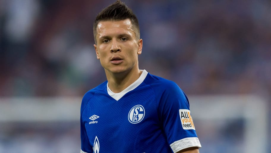 GELSENKIRCHEN, GERMANY - SEPTEMBER 02: Yevhen Konoplyanka of Schalke  looks on  during the Bundesliga match between FC Schalke 04 and Hertha BSC at Veltins-Arena on September 2, 2018 in Gelsenkirchen, Germany. (Photo by TF-Images/Getty Images)