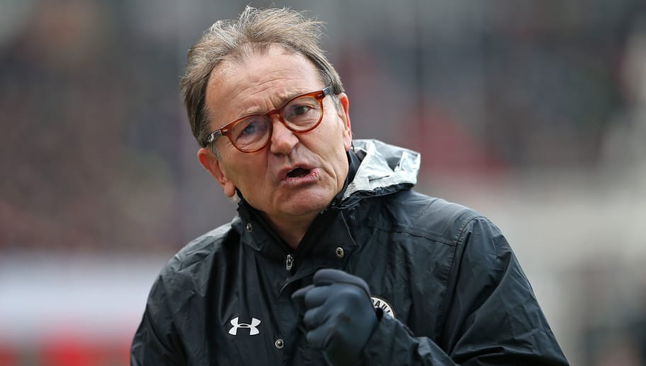 HAMBURG, GERMANY - APRIL 28: Head coach Ewald Lienen of FC St. Pauli looks on during the Second Bundesliga match between FC St. Pauli and 1. FC Heidenheim 1846 at Millerntor Stadium on April 28, 2017 in Hamburg, Germany. (Photo by TF-Images/Getty Images)