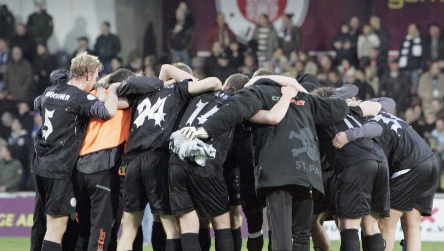 HAMBURG, GERMANY - DECEMBER 02: St Pauli celebrate their victory during the Third League match between FC St.Pauli and 1.FC Magdeburg at the Millerntor stadium on December 02, 2006 in Hamburg, Germany.