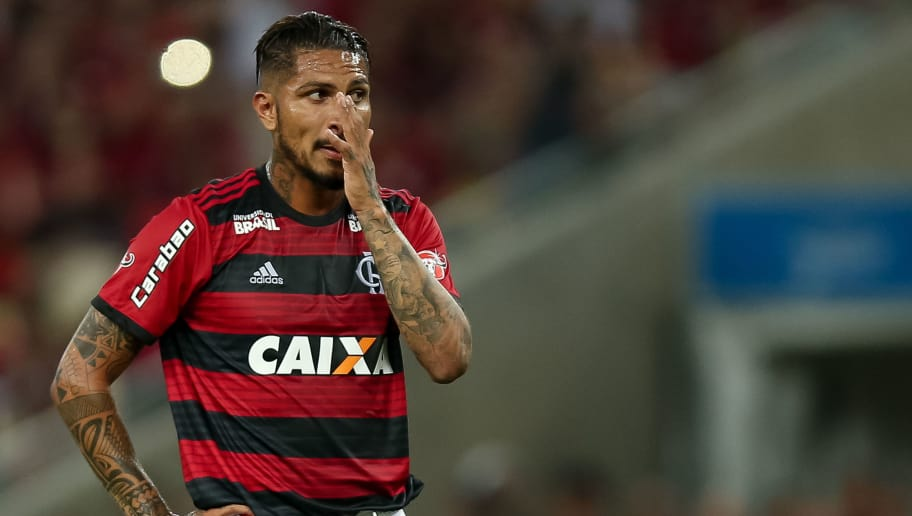 RIO DE JANEIRO, BRAZIL - MAY 06: Paolo Guerrero of Flamengo looks on during a match between Flamengo and Internacional as part of Brasileirao Series A 2018 at Maracana Stadium on May 06, 2018 in Rio de Janeiro, Brazil. (Photo by Buda Mendes/Getty Images)