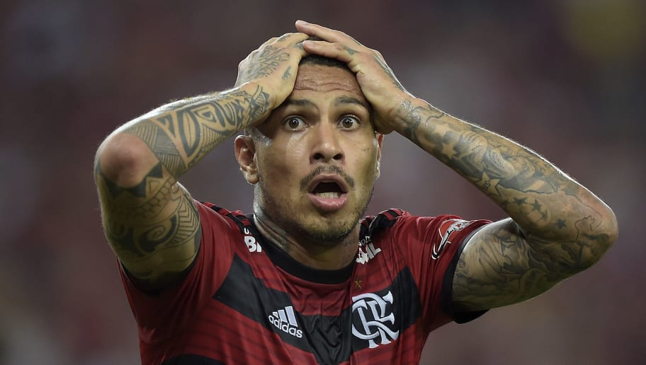 RIO DE JANEIRO, BRAZIL - JULY 18: Paolo Guerrero of Flamengo reacts during the match between Flamengo and Sao Paulo as part of Brasileirao Series A 2018 at Maracana Stadium on July 18, 2018 in Rio de Janeiro, Brazil. (Photo by Alexandre Loureiro/Getty Images)