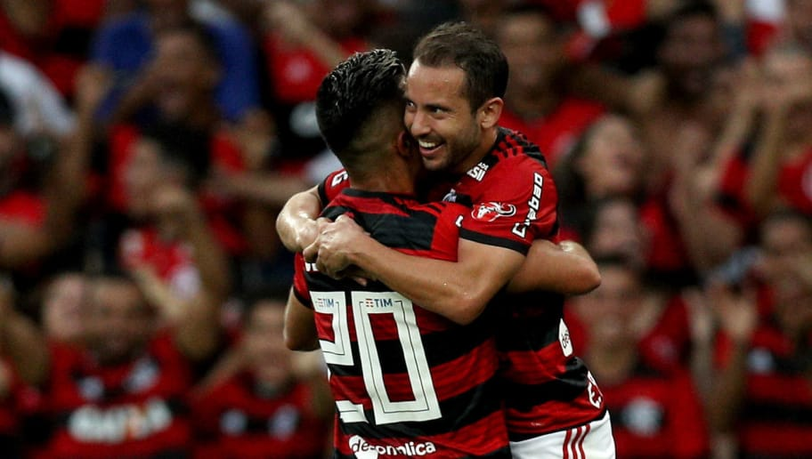 RIO DE JANEIRO, BRAZIL - JULY 29: Uribe and Everton Ribeiro (R) of Flamengo celebrate a scored goal against Sport Recife during a match between Flamengo and Sport Recife as part of Brasileirao Series A 2018 at Maracana Stadium on July 29, 2018 in Rio de Janeiro, Brazil. (Photo by Buda Mendes/Getty Images)