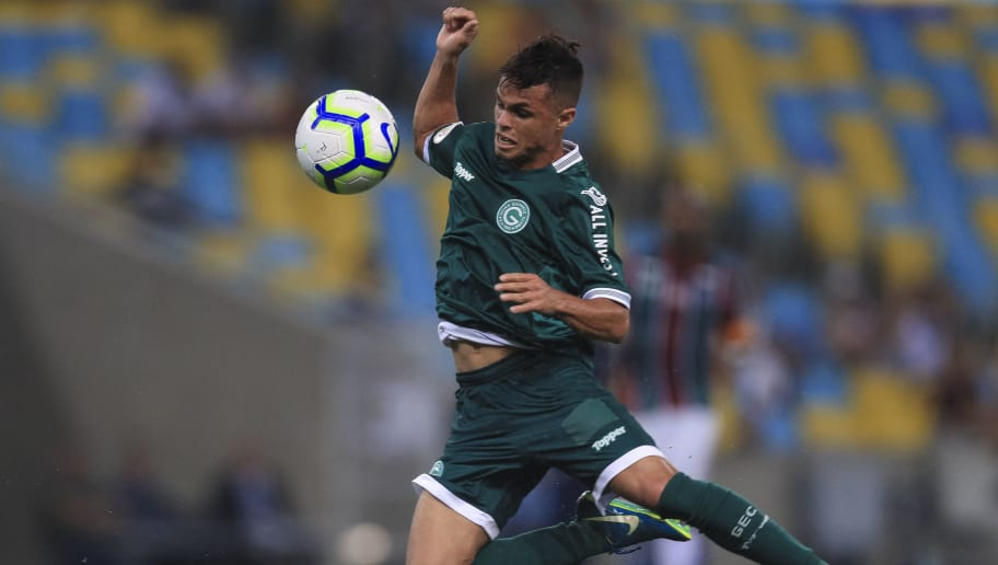 Corinthians monitora e monta estratégia para fechar com Michael, do Goiás