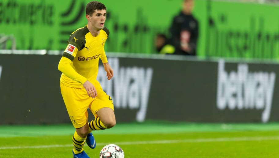 DUESSELDORF, GERMANY - DECEMBER 18: Christian Pulisic of Borussia Dortmund controls the ball during the Bundesliga match between Fortuna Duesseldorf and Borussia Dortmund at Esprit-Arena on December 18, 2018 in Duesseldorf, Germany.(Photo by TF-Images/TF-Images via Getty Images)