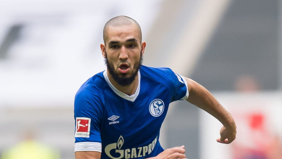 DUESSELDORF, GERMANY - OCTOBER 06: Nabil Bentaleb of Schalke controls the ball during the Bundesliga match between Fortuna Duesseldorf and FC Schalke 04 at Esprit-Arena on October 6, 2018 in Duesseldorf, Germany. (Photo by TF-Images/TF-Images via Getty Images)