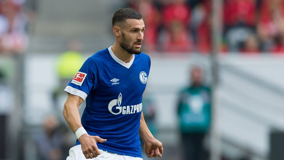 DUESSELDORF, GERMANY - OCTOBER 06: Daniel Caligiuri of Schalke controls the ball during the Bundesliga match between Fortuna Duesseldorf and FC Schalke 04 at Esprit-Arena on October 6, 2018 in Duesseldorf, Germany. (Photo by TF-Images/TF-Images via Getty Images)