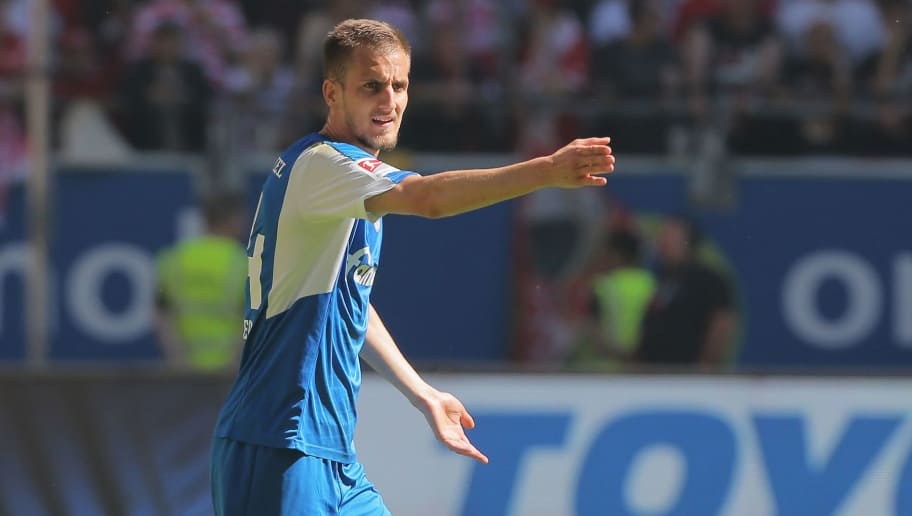 DUESSELDORF, GERMANY - MAY 06: Dominik Drexler of Kiel gestures during the Second Bundesliga match between Fortuna Duesseldorf and Holstein Kiel at Esprit-Arena on May 6, 2018 in Duesseldorf, Germany. (Photo by TF-Images/Getty Images)
