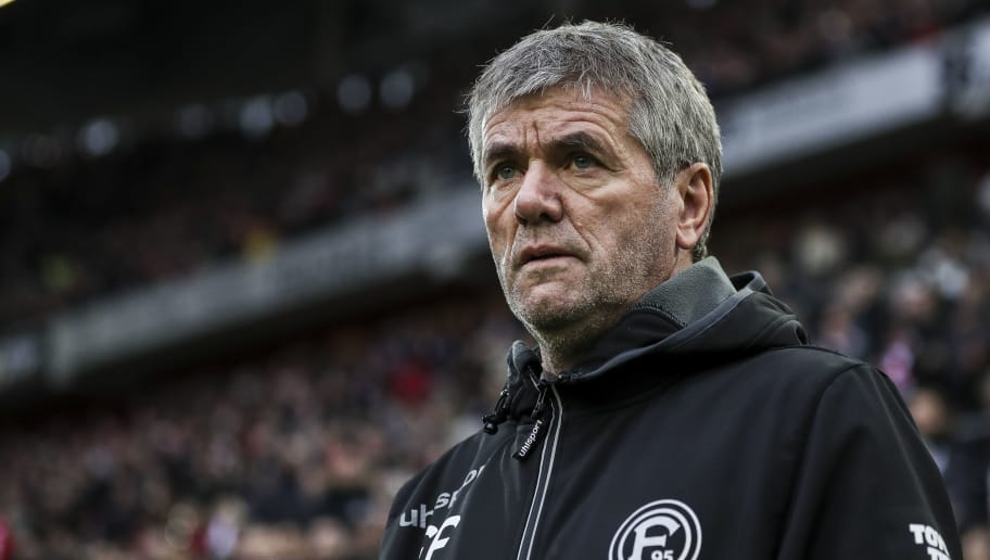 DUESSELDORF, GERMANY - DECEMBER 15: Friedhelm Funkel, head coach of Fortuna Duesseldorf looks on prior to the Bundesliga match between Fortuna Duesseldorf and Sport-Club Freiburg at Esprit-Arena on December 15, 2018 in Duesseldorf, Germany. (Photo by Maja Hitij/Bongarts/Getty Images)