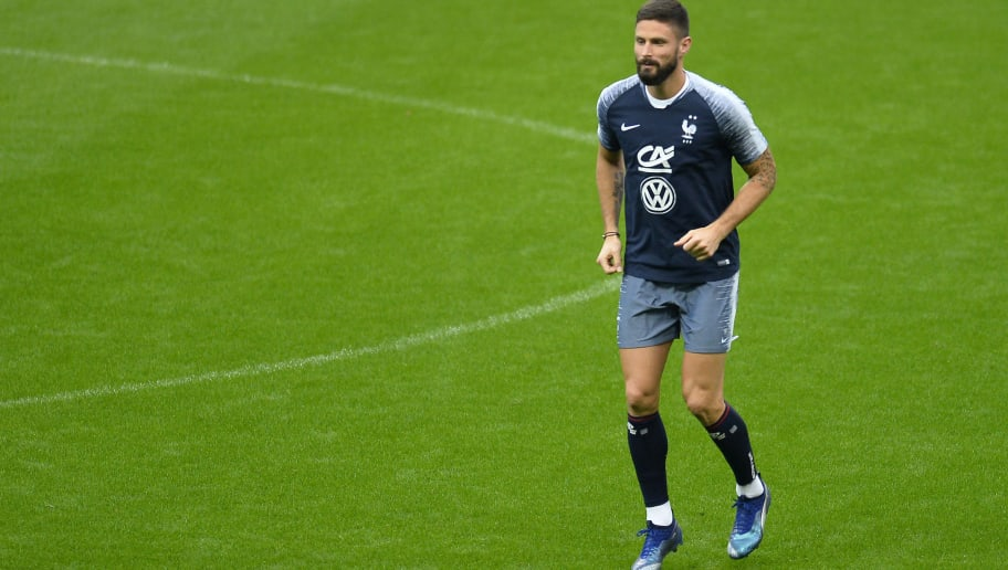 PARIS, FRANCE - OCTOBER 15:  Olivier Giroud of France warms up during a training session ahead the UEFA Nations League match between France and Germany at Stade de France on October 15, 2018 in Paris, France.  (Photo by Aurelien Meunier/Getty Images)