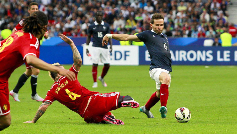 PARIS, FRANCE - JUNE 7:  Yohan Cabaye #6 of France controls the ball against Radja Nainggolan #4 of Belgium during the international friendly game between France and Belgium at Stade de France on June 7, 2015 in Saint Denis near Paris, France. (Photo by Catherine Steenkeste/Getty Images)