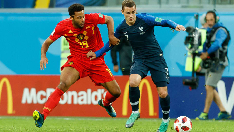 SAINT PETERSBURG, RUSSIA - JULY 10: Mousa Dembele of Belgium and Antoine Griezmann of France battle for the ball during the 2018 FIFA World Cup Russia Semi Final match between France and Belgium at Saint Petersburg Stadium on July 10, 2018 in Saint Petersburg, Russia. (Photo by TF-Images/Getty Images)