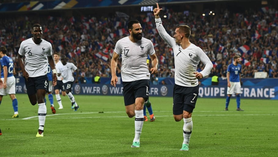 NICE, FRANCE - JUNE 01:  Antoine Griezmann of France celebrates after scoring the second goal during the International Friendly match between France and Italy at Allianz Riviera Stadium on June 1, 2018 in Nice, France.  (Photo by Claudio Villa/Getty Images)