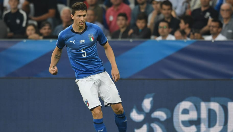 NICE, FRANCE - JUNE 01:  Mattia Caldara of Italy in action during the International Friendly match between France and Italy at Allianz Riviera Stadium on June 1, 2018 in Nice, France.  (Photo by Claudio Villa/Getty Images)