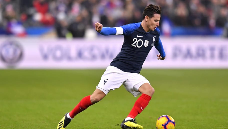PARIS, FRANCE - NOVEMBER 20:  Florian Thauvin of France runs with the ball during the international friendly match between France and Uruguay at Stade de France on November 20, 2018 in Paris, France.  (Photo by Aurelien Meunier/Getty Images)