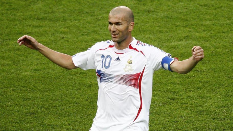 French midfielder Zinedine Zidane celebr