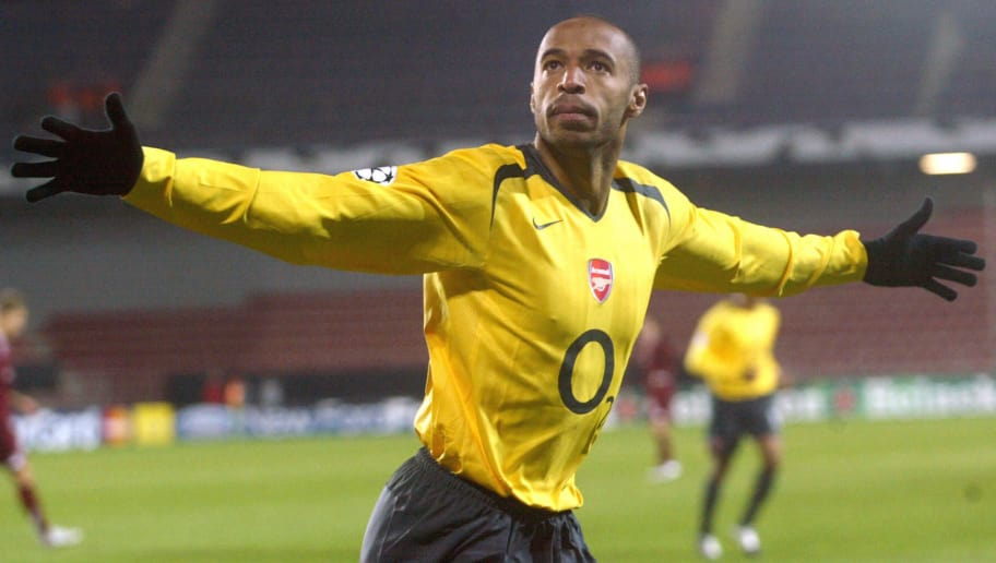 Prague, CZECH REPUBLIC:  Frenchman Thierry Henry of FC Arsenal celebrates after he scored against Sparta Prague in their UEFA Champions League, group B, soccer match  between Sparta Prague and FC Arsenal in Toyota Arena in Prague, 18 October, 2005. AFP   PHOTO    MICHAL CIZEK  (Photo credit should read MICHAL CIZEK/AFP/Getty Images)