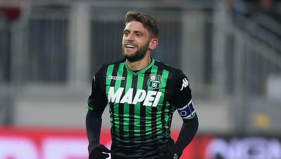 FROSINONE, ITALY - DECEMBER 16:  Domenico Berardi #25 of US Sassuolo celebrates after scoring the team's second goal during the Serie A match between Frosinone Calcio and US Sassuolo at Stadio Benito Stirpe on December 16, 2018 in Frosinone, Italy.  (Photo by Paolo Bruno/Getty Images)