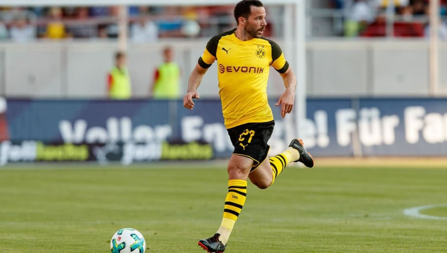 ZWICKAU, GERMANY - MAY 14: Gonzalo Castro of Dortmund controls the ball during the Friendly Match match between FSV Zwickau and Borussia Dortmund at Stadion Zwickau on May 14, 2018 in Zwickau, Germany. (Photo by TF-Images/Getty Images)