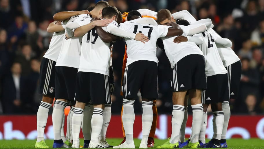 LONDON, ENGLAND - DECEMBER 05:  Fulham players form a huddle prior to the Premier League match between Fulham FC and Leicester City at Craven Cottage on December 5, 2018 in London, United Kingdom.  (Photo by Clive Rose/Getty Images)