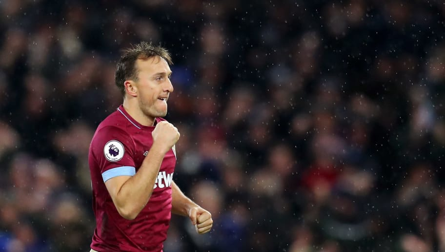 LONDON, ENGLAND - DECEMBER 15:  Mark Noble of West Ham United celebrates after teammate Robert Snodgrass scores their team's first goal during the Premier League match between Fulham FC and West Ham United at Craven Cottage on December 15, 2018 in London, United Kingdom.  (Photo by Catherine Ivill/Getty Images)