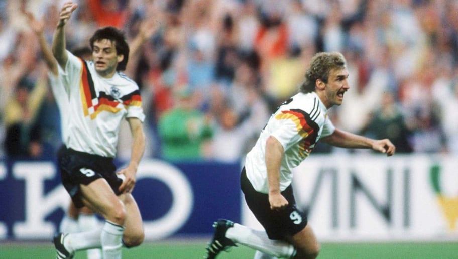 FUSSBALL: EURO 1988 DEUTSCHLAND - SPANIEN ( GER - ESP ) 2:0