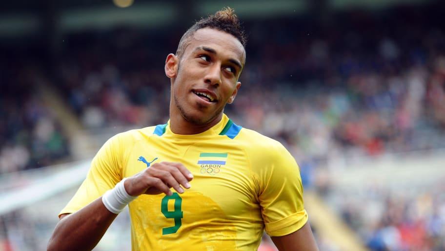 Gabon's Pierre Aubameyang (R) celebrates